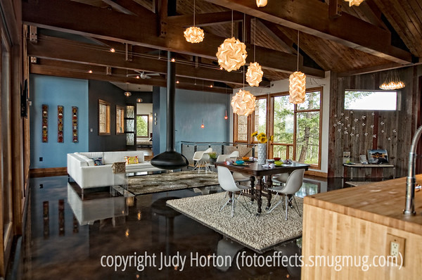 Interior and Exterior Images of Buildings and Homes