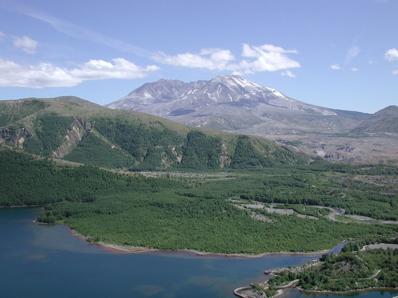 Coldwater Lake, Johnson Ridge, and Mt. Saint Helens, WA (Nikon 990)