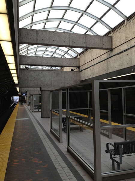 Glencairn Station, Toronto