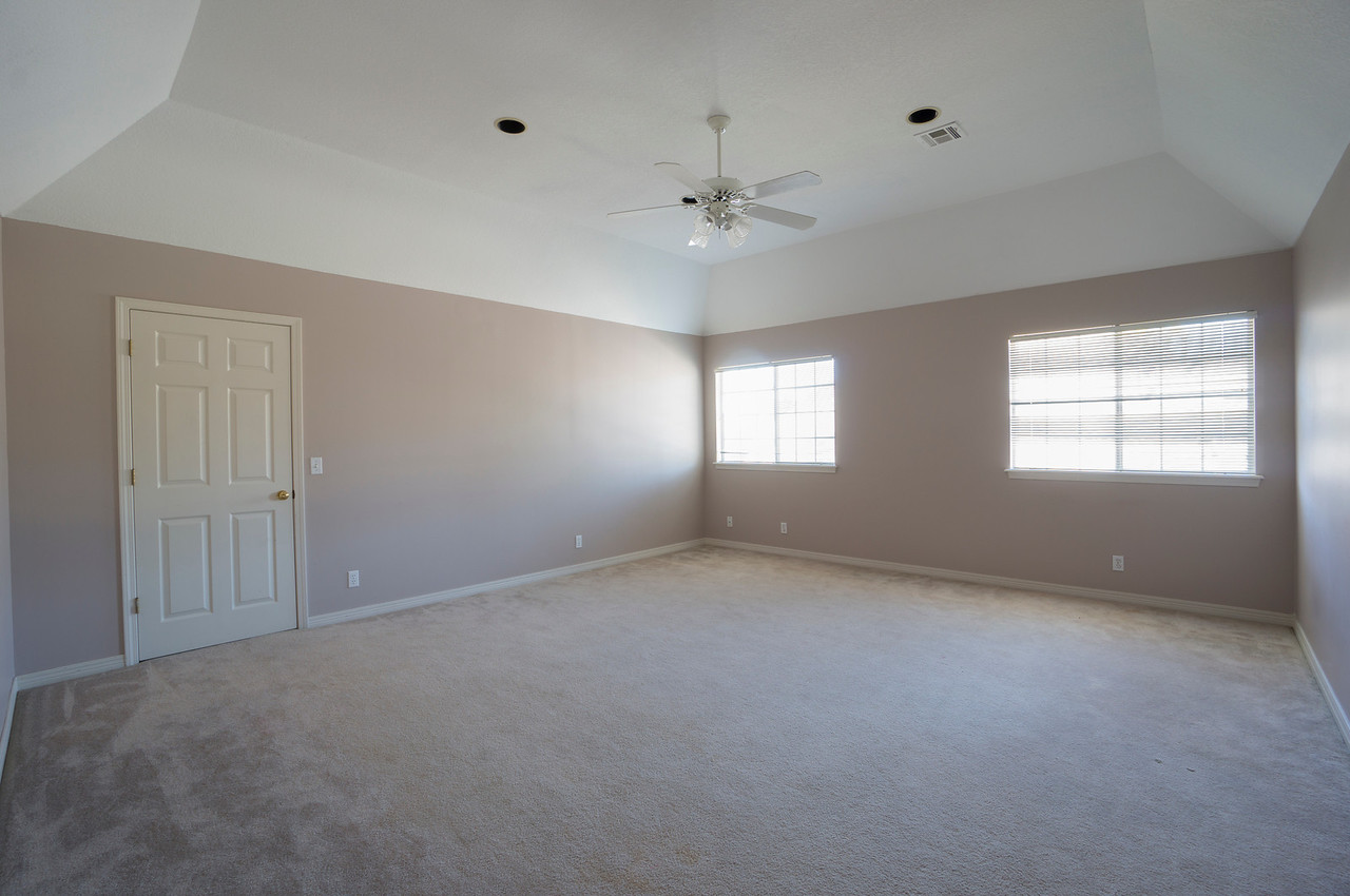 bonus/play room needs toy storage, tv & couch (sleeper-sofa), Lego table possibly in front of sofa like a coffee table, and drawing/craft area with storage. New fan? There will also be a large treadmill. The door shown goes to the huge storage area that could be a play area for Amaya.