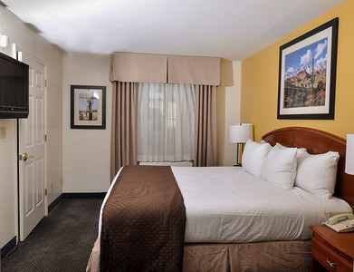 King Suite guest room of the Red Lion Inn & Suites in Tempe, Arizona.  New custom framed original photography in all of the guest rooms.  Pat Kofahl of Esprit Decor Framing & Gallery teamed up with Pamela Root to create, print and frame all of the giclees for the artwork.