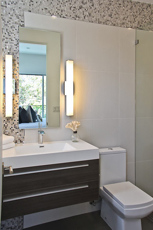 Modern Secondery Bathroom Design