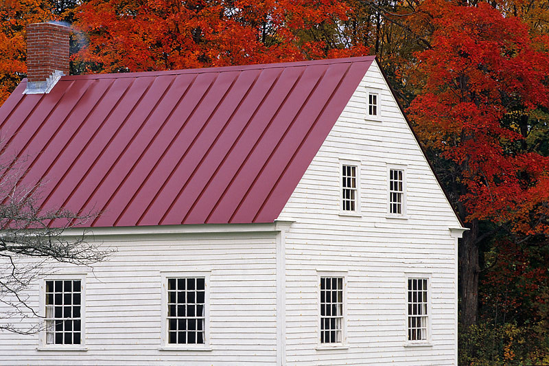Red Roof, Red Leaves