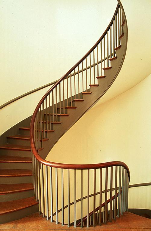 Shaker Stairs