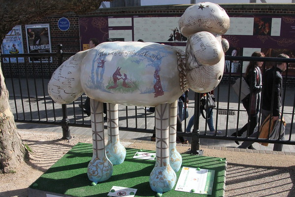 Shaun in the City - 20.To Sheep Perchance to Dream<br /> The Globe Theatre<br /> 11 April 2015