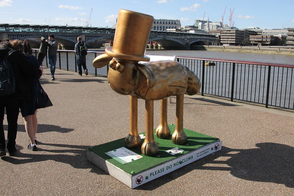 Shaun in the City - 19. Br-ewe-nel<br /> Tate Modern<br /> 11 April 2015
