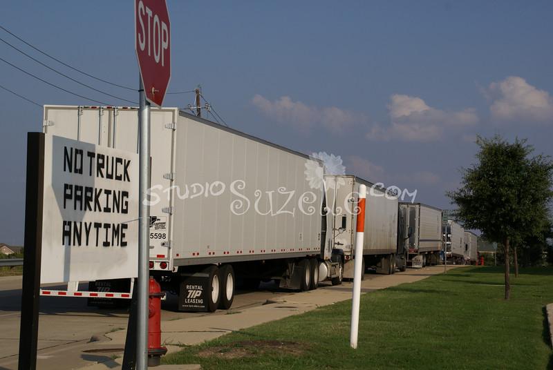 (102) Trucks Parking : 2007