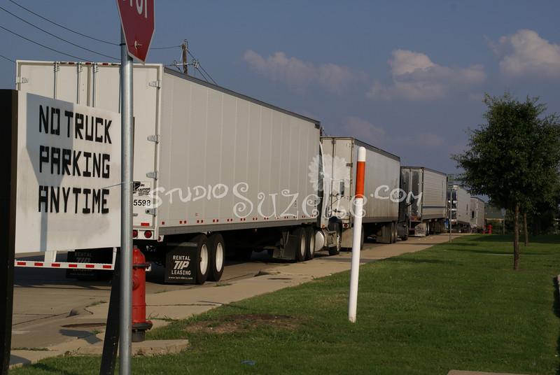(101) Trucks Parking : 2007