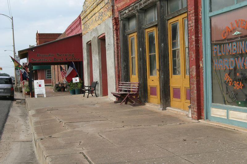 Calvert Sidewalk Scene
