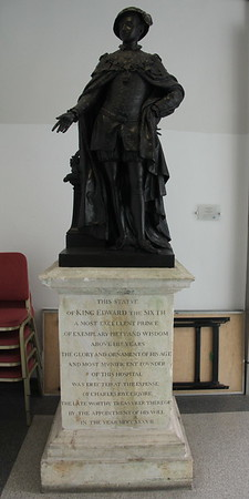 Statue of King Edward VI