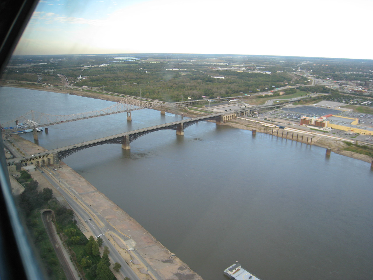 Bridges over the Mississippi river, north view