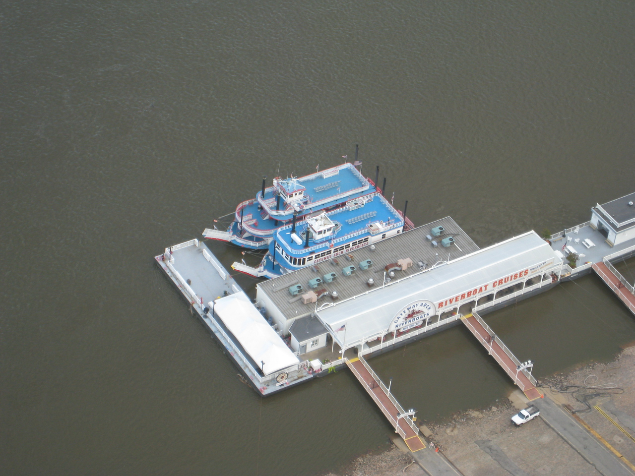 River Boats docked near the St. Louis arch