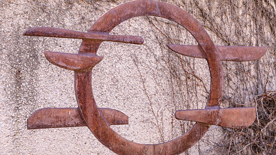 Voltri XV, by David Smith, 1962, steel, in the Hirshhorn Museum and Sculpture Garden, Washington, D.C.