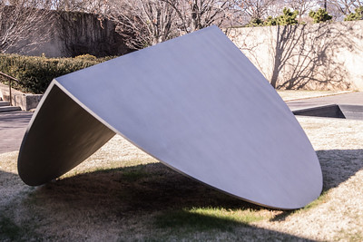 Untitled, by Ellsworth Kelly, 1986, stainless steel, at the Hirshhorn Museum and Sculpture Garden, Washington, D.C.