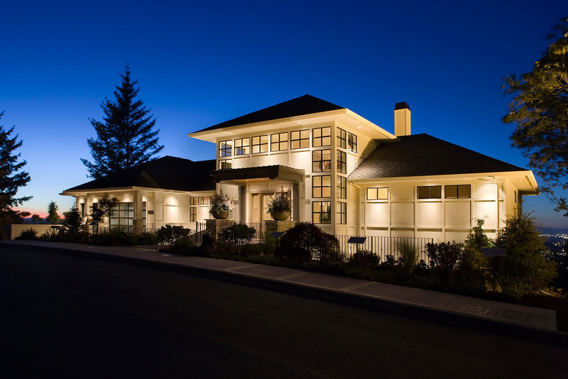 Sonoma House, Shelburne Development and Ronda Divers Design, Street of Dreams 2008.
