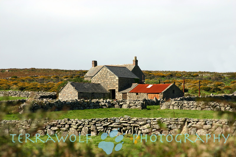 My favorite Cornwall farmhouse - Coronation House Farm, along the footpath to Men-an-Tol