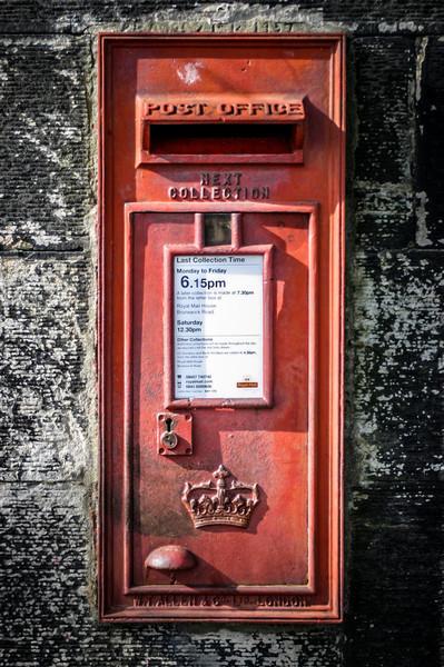 Edinburgh, Scotland<br /> Wall-mounted post box.