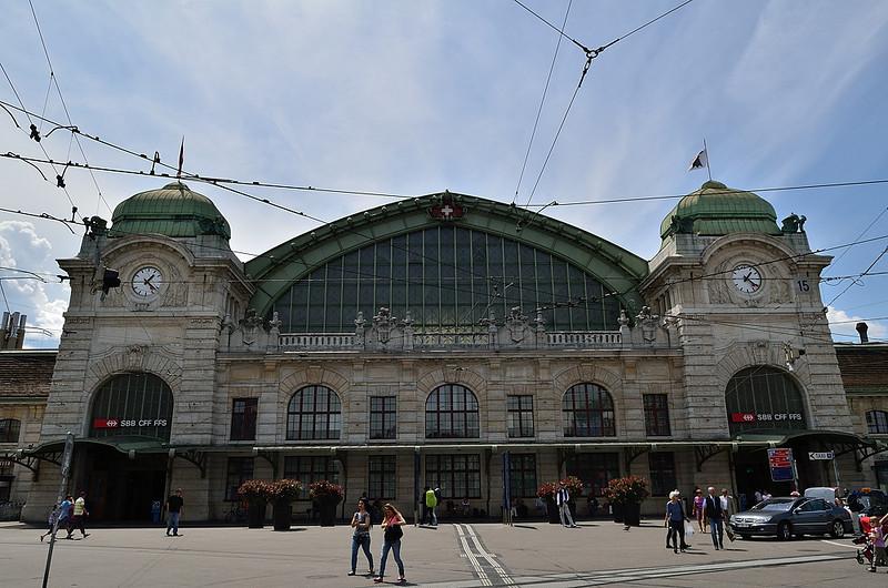 hlavní nádraží švýcarských drah v Basileji (SBB Bahnhof)