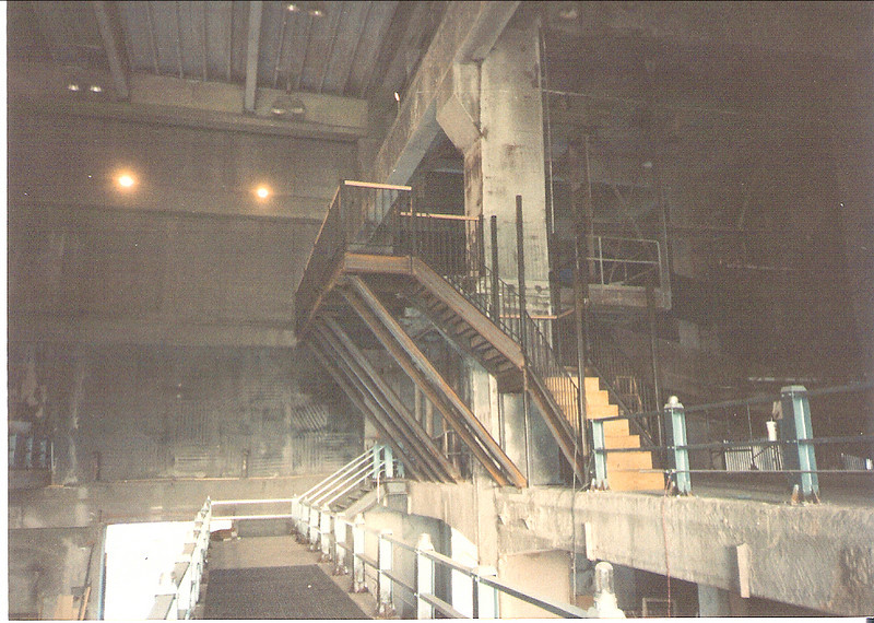 "Subway mezzanine, staircase and rail for the street set of ""Super Mario Bros."""