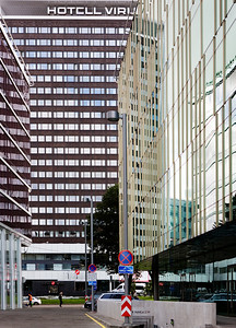 Vaade Hotell Viru´le.Paremal City Plaza ning vasakul Nordic Hotel Forum