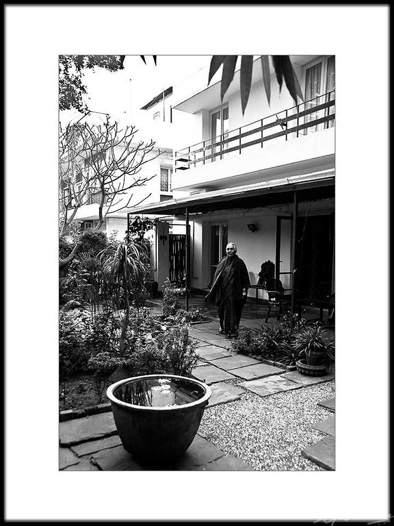 08: Romila Thapar's residence, New Delhi | Romila Thapar's residence, New Delhi 26 February 2010 NIKON D90; 18-200 mm f/3.5-5.6; Center-weighted average; 1/30 sec at f/3.8; ISO-2000;