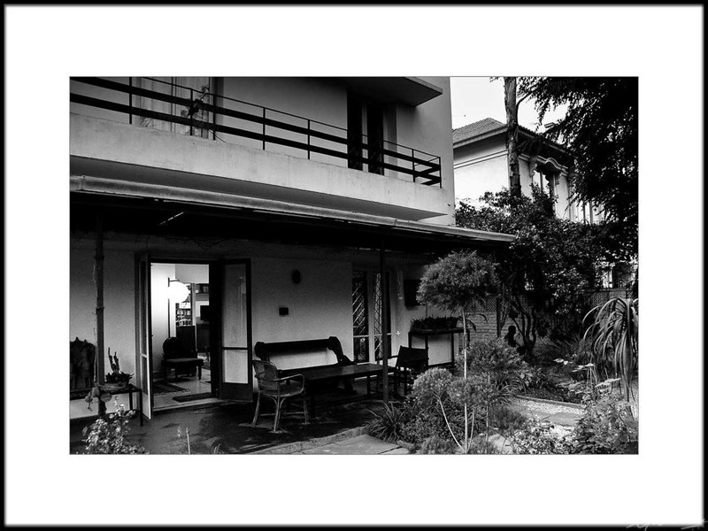 11: Romila Thapar's residence, New Delhi | Romila Thapar's residence, New Delhi 26 February 2010 NIKON D90; 18-200 mm f/3.5-5.6; Center-weighted average; 1/30 sec at f/3.5; ISO-2500;