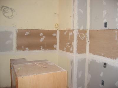 During: The glass backsplash backpanel (Oct 2004)