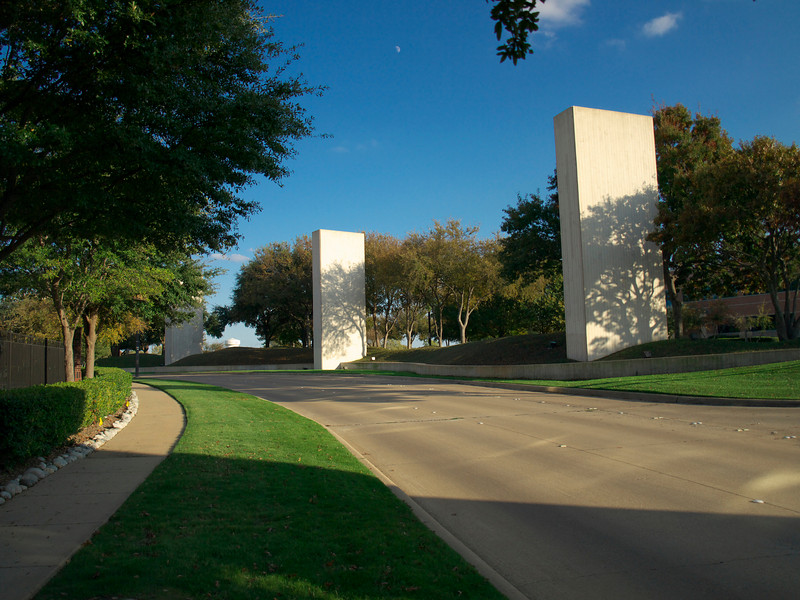 Dotted around the ancient cities of Plano and North Dallas are these strange Obelisks.  The ones in this photo are on what we think might be the site of the Preston Park burial mound.