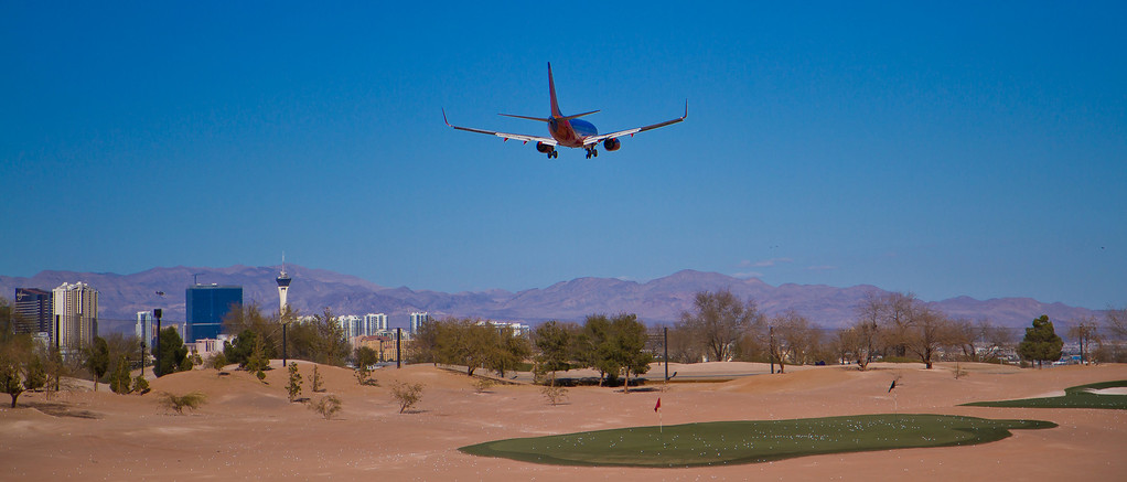 Southwest Airlines landing to the north, Las Vegas, NV