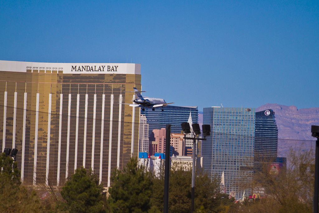 Raytheon Hawker 1000 private jet lands in Las Vegas, Las Vegas, NV