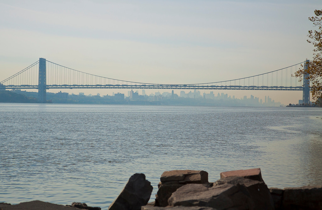 Full view of the GWB and into Manhattan, Englewood Cliffs, NJ
