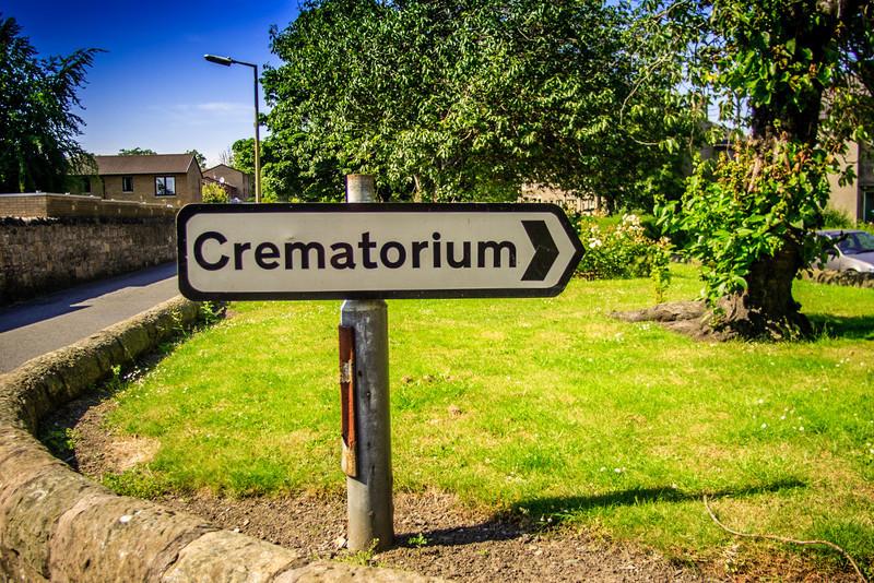 Sign to Warriston Crematorium, Edinburgh<br /> Sign to Warriston Crematorium, Edinburgh