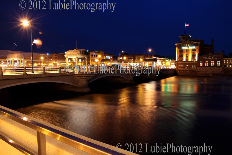 St Charles (IL) by night