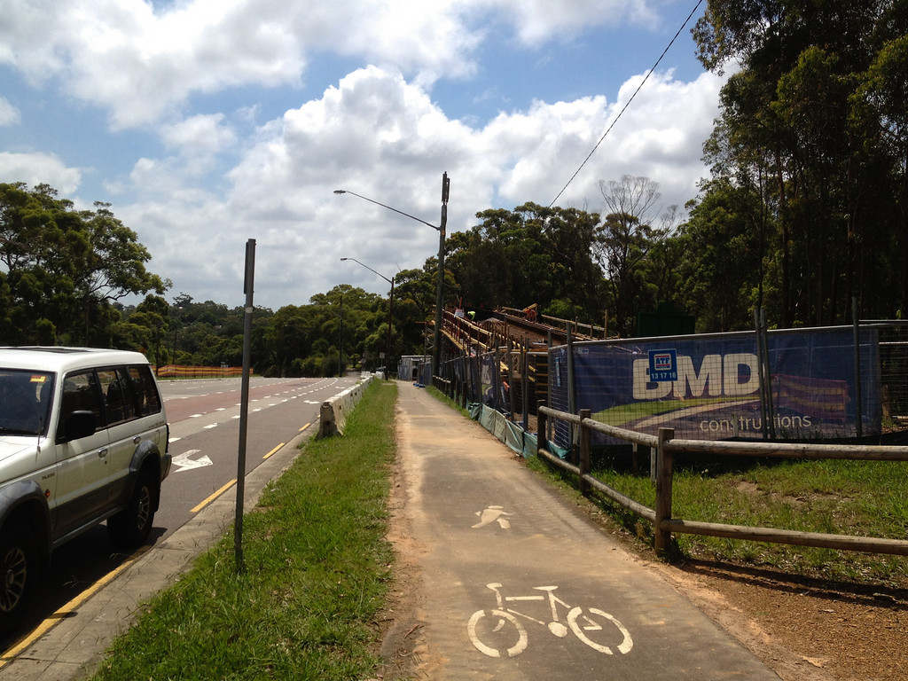 Construction of Footbridge over Epping Rd