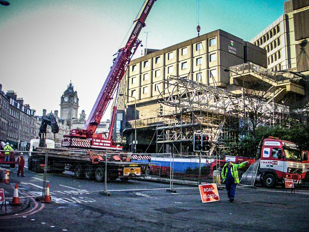 Edinburgh, Scotland<br /> Building the St James Centre bridge.