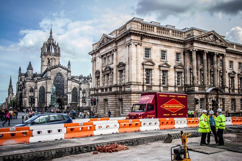 Edinburgh, Scotland<br /> The corner of the Royal Mile and George IV Bridge : the Midlothian County Buildings (1905, J. Macintyre Henry) with St Giles' Kirk beyond.