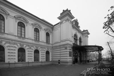 Palatul Sutu - curtea interioara - ziua