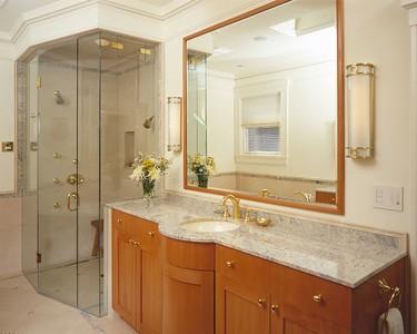 Third Floor -- NE -- Master Bath
