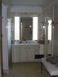 Third Floor -- NW -- Original Master Bath