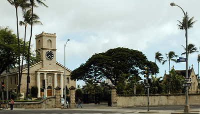 Kawaiahaʻo Church and Lunalilo's mausoleum on King & Punchbowl  Photographed from the grounds of 'Iolani Palace