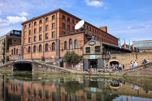 Former canal-rail interchange building Camden