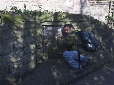 Shawn knocks on the hobbit door on the path up to the castle.  Strangely, there's no answer.