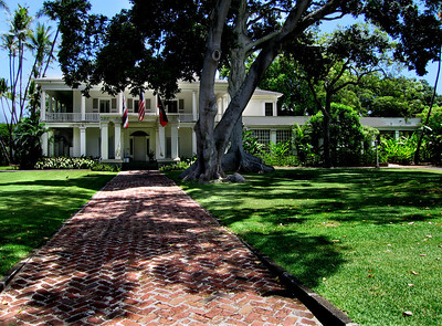 Washington Place  was named to honor of the first president of the U.S. It was built by John Dominis in 1846. His son, John Owen Dominis, married Lydia Kapa'akea who later became Queen Lili'uokalani.  	After the overthrow of the Hawaiian monarchy, she made her home at Washington Place and lived there until her death in 1917. Honolulu, O'ahu, Hawai'i
