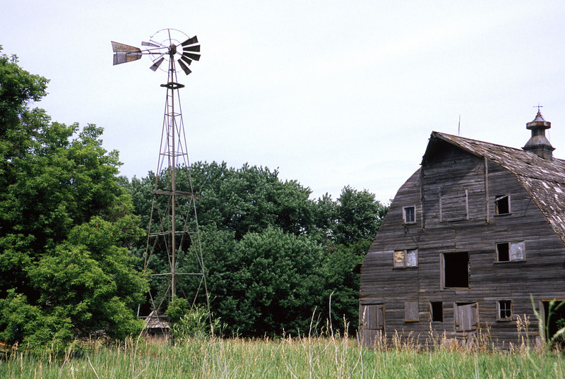 Abandon Barn w/Windmill in southwestern MN