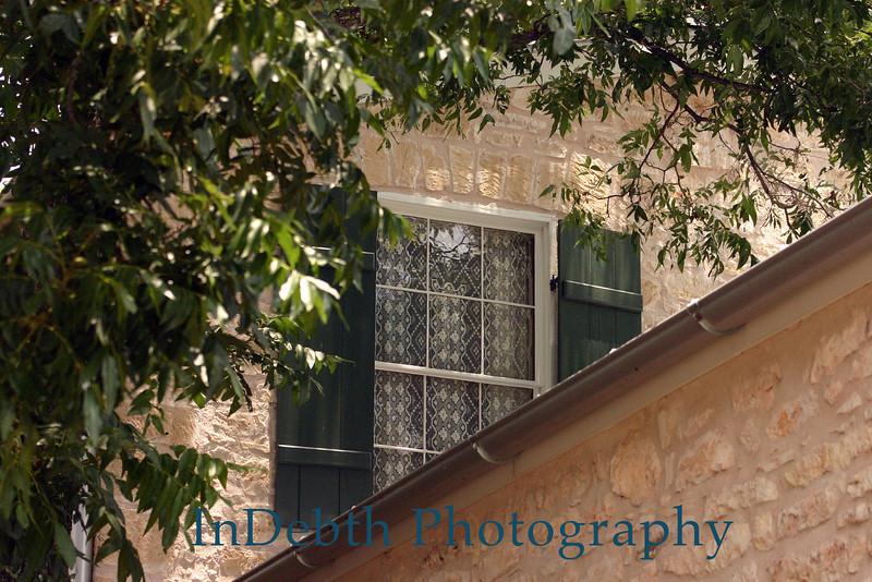 7597 Fredricksburg window