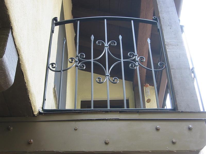 Balcony rail close up - Meyer Residence, San Marino, CA