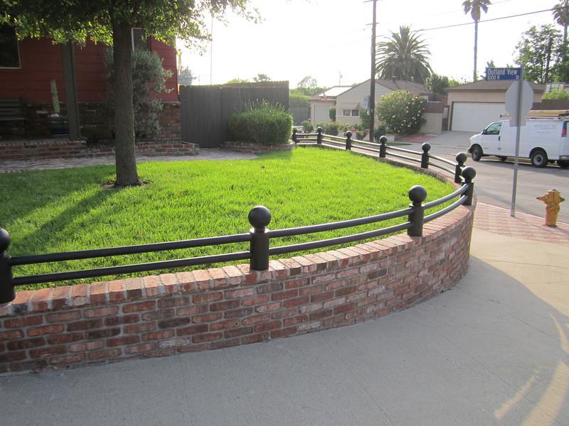 Wrap-around fence - Geary residence, Burbank, CA