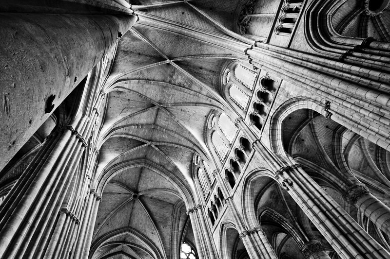 33m of Gothic vaults