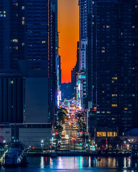 Predawn Colors Behind 42nd Street In Manhattan 11/29/20