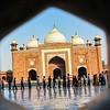 Taj Tourists